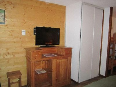 Photo for Surface area : about 28 m². 4th floor. Orientation : West. Living room with 2 single beds