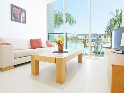 Photo for DIANA - 1bed apartment walking distance to fig tree bay beach