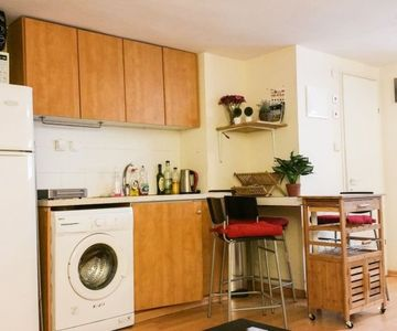 Photo for 1BR Apartment Vacation Rental in TEL AVIV