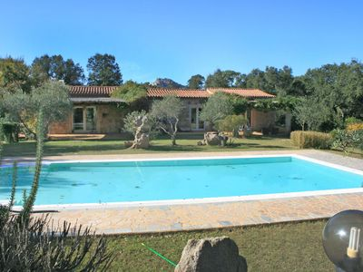 Photo for Stunning private villa for 8 people with A/C, private pool, TV, pets allowed and parking