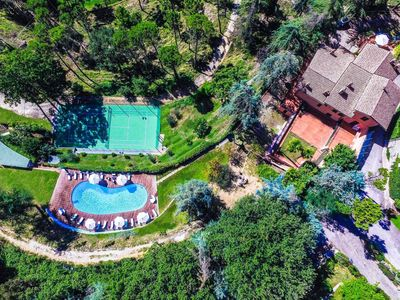 Photo for Umbria villa with pool, tennis, gym, spa and zoo