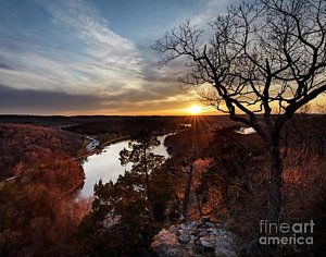 Photo for Enjoy the Fall Season , hiking , fishing, boat slip and fire pit.