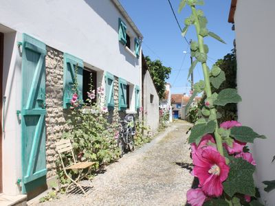 Photo for Pretty house 70 m2 typical for a beautiful holiday between ocean and forest