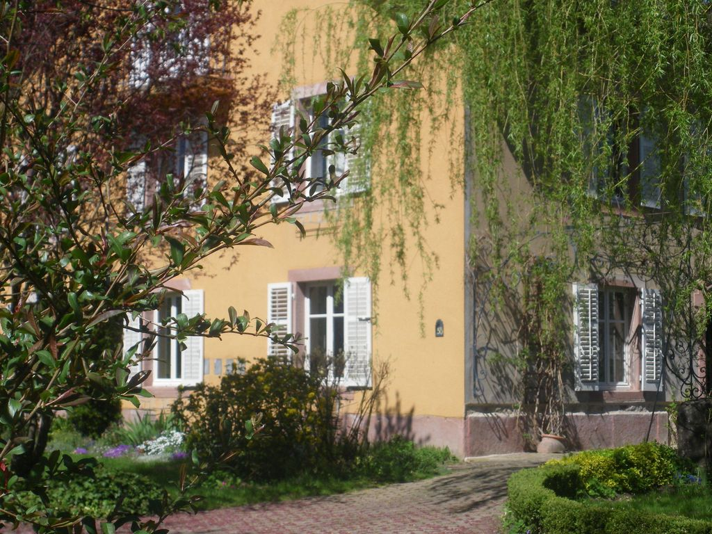 No additional costs. Apartment right in the Vosges, with catering possibilities