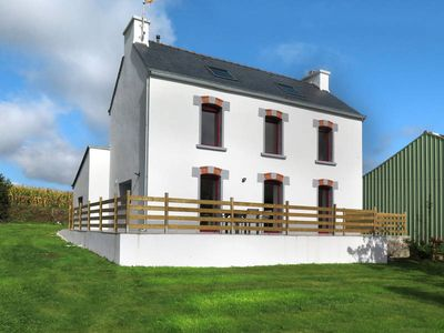 Photo for Vacation home in Bannalec, Finistère - 8 persons, 4 bedrooms