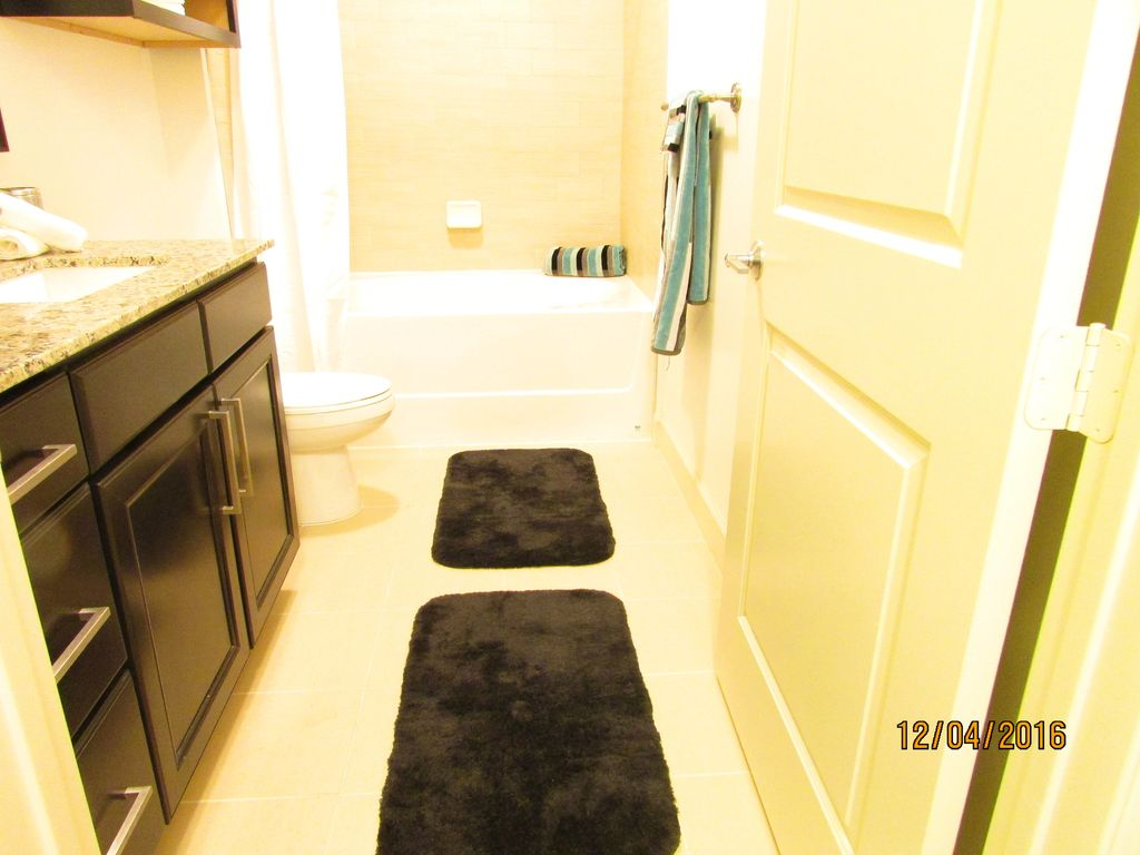 Property Image#4 Luxury Galleria Apartment! 1BR/1BA Unfurnished Or Furnished  Options Available