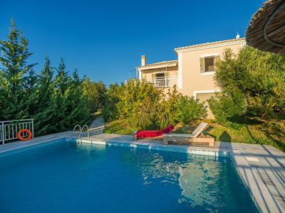 Photo for Lovely two bedroom house with private pool and great views