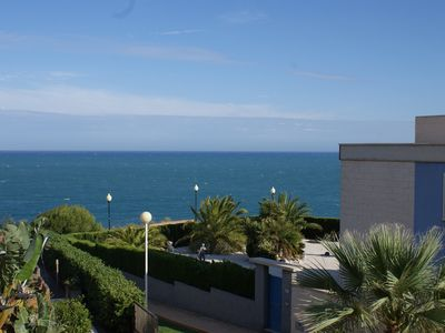 Photo for Front-line sea view 2 bed apartment in Cabo Roig sleeps 4. A/C. UK TV. Pool
