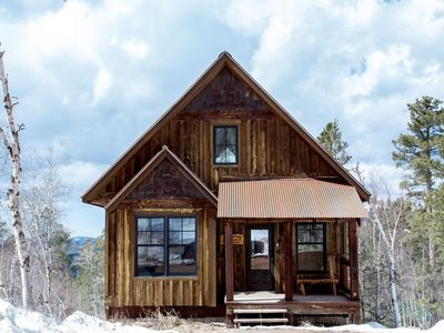 Photo for Big Pine Lodge - Beautiful Mountain Views, Private Hot Tub Close To The Slopes!