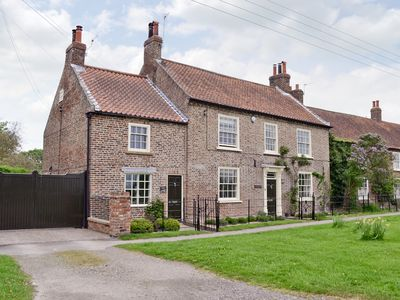 Photo for 2 bedroom accommodation in Flaxton, near York