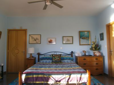 Photo for Apartment with 3 bedrooms each with private bathroom to rent