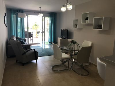 Photo for Modern 2 Bedroom Apartment on Ground Floor