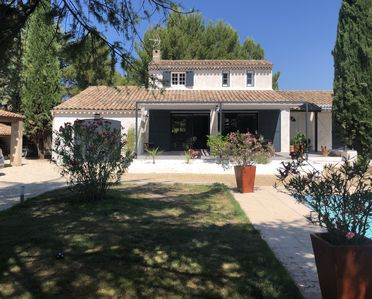 Photo for Villa with swimming pool in Pertuis Sud Luberon in Provence