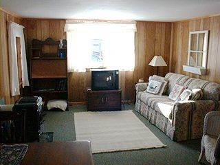 Photo for Lakeside Cottage Getaway