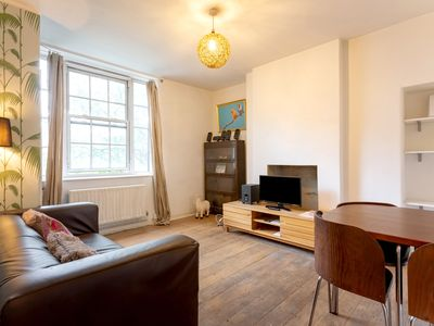 Photo for Spacious 3-bed Apartment in Waterloo