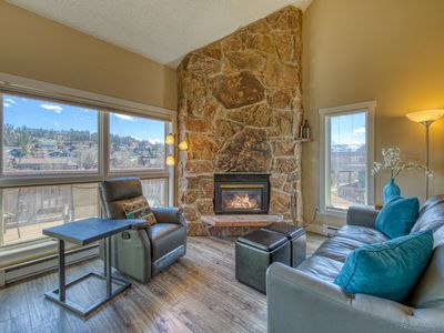 Photo for Newly renovated two-story condo w/ river view & shared hot tubs/sauna!