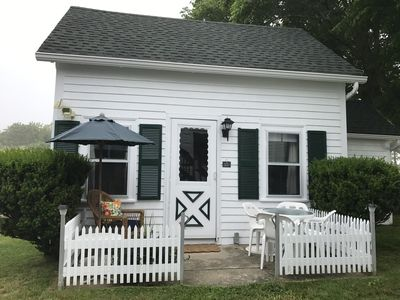 Photo for Captain's Cottage on Corn Neck Road - Near Beach - Quiet - Air Conditioned