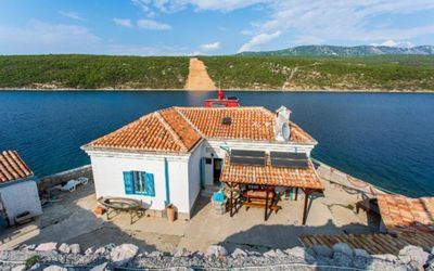 Photo for Holiday house Omisalj for 4 - 6 persons with 2 bedrooms - Holiday house