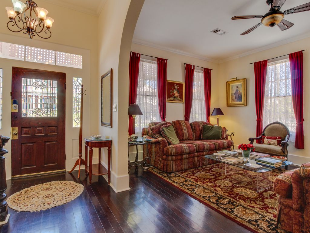 Property Image#6 East End Historic District Victorian Home With A Freplace,  Patio,