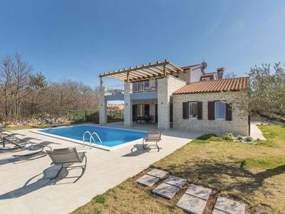 Photo for Villa Ragusa for 6+2 people with pool in a small village Sosici near Rovinj