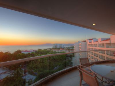 Photo for Penthouse El Cielo - 3br/3bth Villa Magna