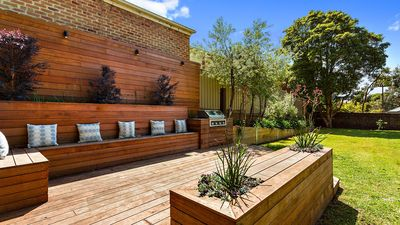 Photo for Portsea Escape- close to village  *SPECIAL OFFER - pay for 2 nights, stay for 3*