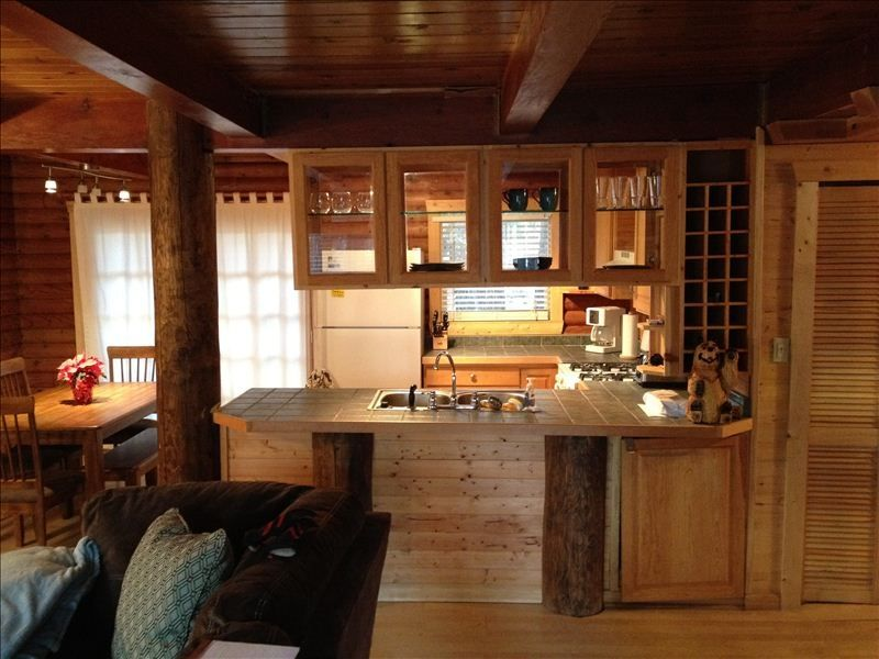 Relaxing Cabin Two Master Bedrooms Near Heavenly