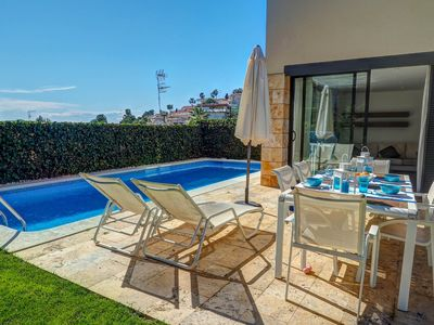 Photo for Sunny house with private pool