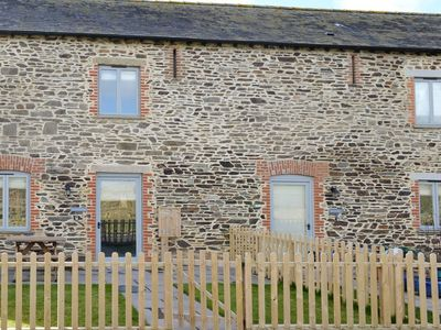 Photo for 2 bedroom property in Launceston. Pet friendly.