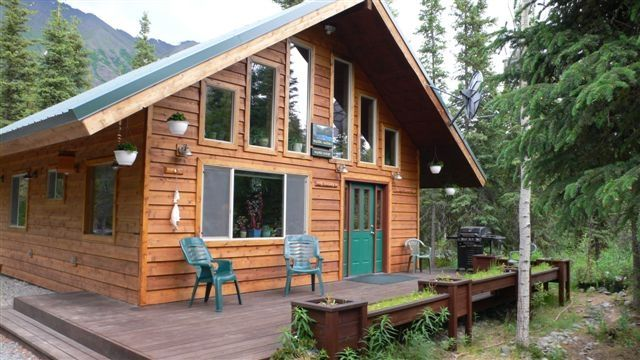 Charmant Kenai River Mystic Lodge Front Deck With BBQ Ready For Your Catch Of The Day