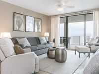 Gorgeous corner unit, contemporary yet still comfortable. Well appointed and nicely done. Highly r