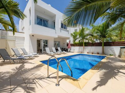 Photo for Villa Nalia - Perfectly furnished 3bedroom villa for relaxing holidays