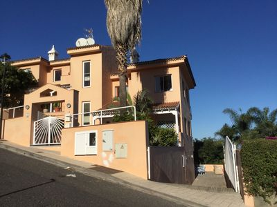Photo for Apartment with private garden 2km from the beach, satellite TV, parking and WIFI