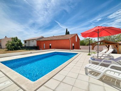 Photo for Villa with private pool, 3 bedrooms, 2 bathrooms, washing machine, air conditioning, WiFi, pets allowed, terrace and barbecue