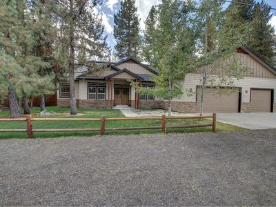Photo for Luxurious Home with Hot Tub & Large Garage close to downtown and Ponderosa Park