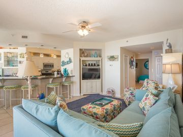 904E - Comfort for days in this Relaxing 3BR Condo!