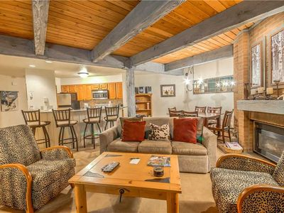 Discounted lift tickets! Luxury Steamboat Condo, Great Location, Hot Tub and Poo