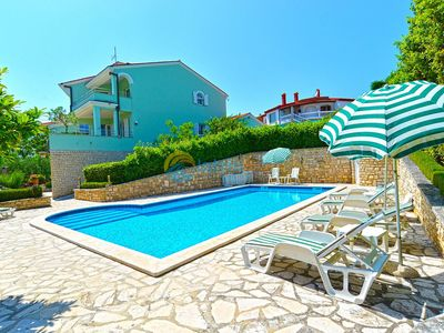 Photo for Apartment 624/1490 (Istria - Pula), Family holiday, 2500m from the beach