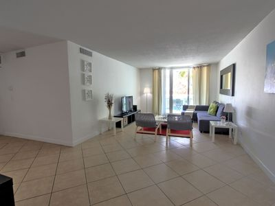 Photo for 2 Bedroom Garden View in Hollywood