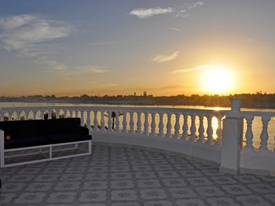 Photo for Modern 1 BR apartment with rooftop on the edge of the Nile