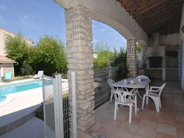 Search 969 holiday lettings