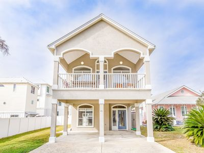 Photo for 1/2 Mile from Seaside! Private Pool! 5 Min Walk to Beach! Pet Friendly!!