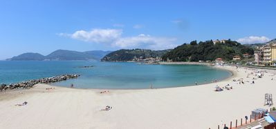 Photo for Top location in Lerici, quiet, 100mt from the beach, sea views, sleeps 2-6