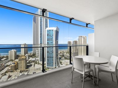 Photo for Stunning Circle on Cavill apartment in the heart of Surfers Paradise ~ Sleeps 4!