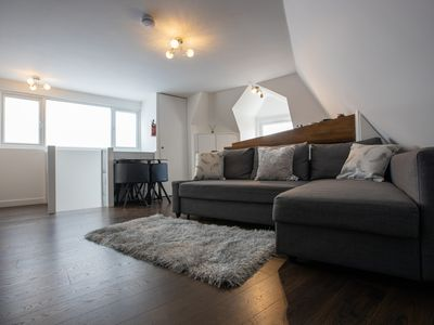 Photo for Ideal SE London apartment Great for walks sightseeing golf & restaurants parks