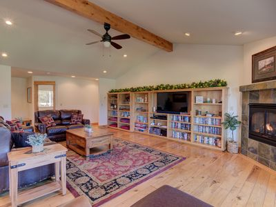 Photo for Come stay at a posh, luxurious home with view of the Big Deschutes River!