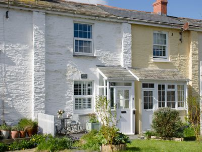 Photo for EDDYSTONE COTTAGE, family friendly in Wadebridge, Ref 968526
