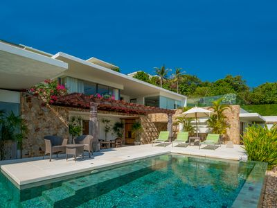 Photo for Luxury 4 Bedroom, air-conditioned TV lounge and an immense infinity edge pool