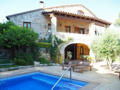 Photo for Spectacular rural house with private pool and garden 5 minutes from the beach
