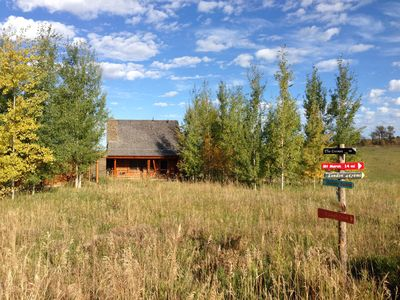 Colter Cabin - Classic Log Cabin with Big Ranch View